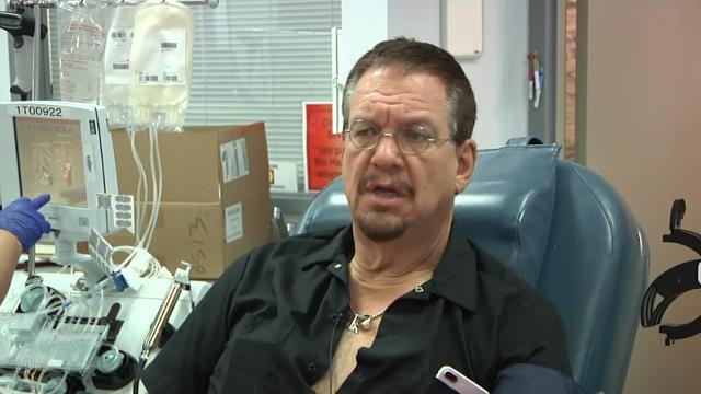 Penn Jillette donates blood for Vegas victims