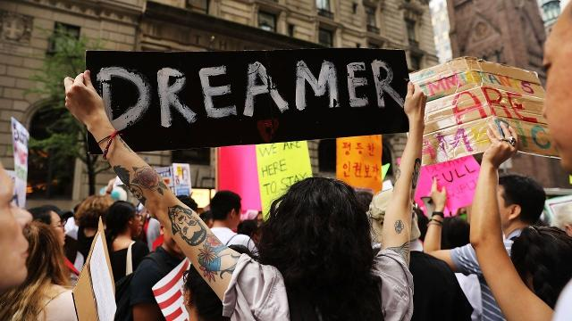 White House releases extensive list of immigration policy demands