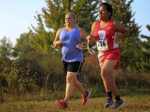 Blind teen finds her stride running on cross-country team