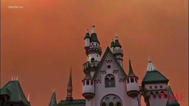 Disneyland looks terrifying as wildfires tear through California
