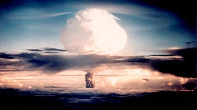 eba4777f9ed80 Nuclear war  What happens after a nuclear bomb is detonated