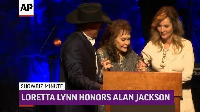 ShowBiz Minute: Timberlake, Lynn, Letterman