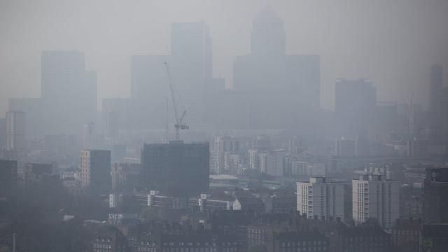 London fights pollution by charging drivers of older, polluting cars