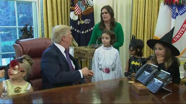 Trump gives out candy ahead of Halloween