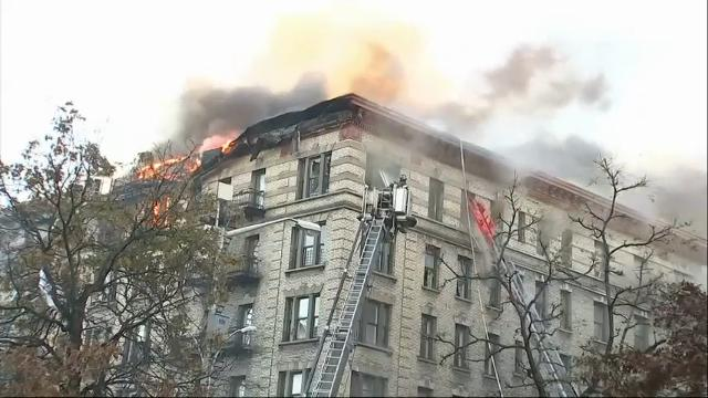 Massive building fire blackens NYC skyline; few serious injuries reported