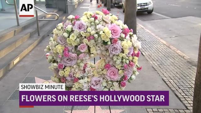 ShowBiz Minute: Rose, Reese, Swift