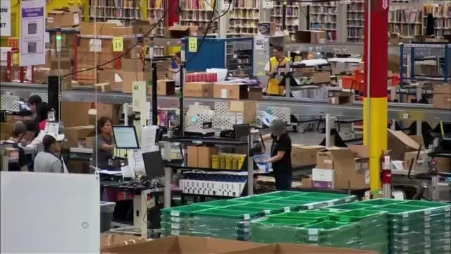 Online holiday sales to hit records