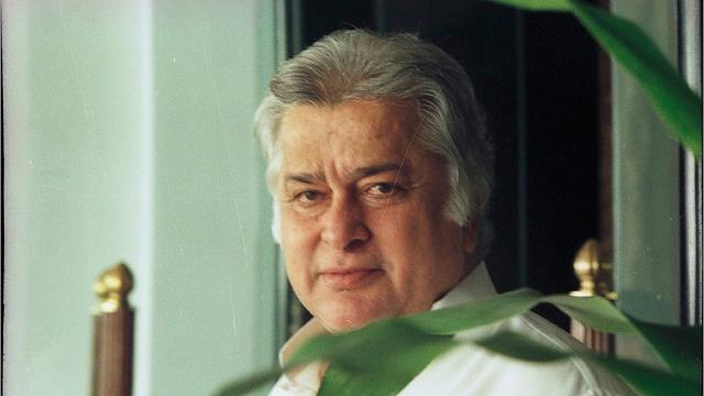 Bollywood Legend Shashi Kapoor Dead At 79