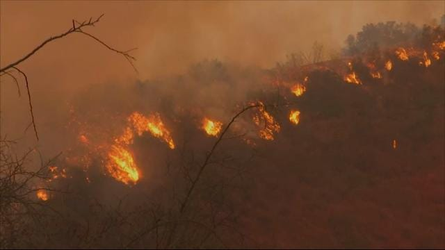Crews light backfires to control Calif. Fires