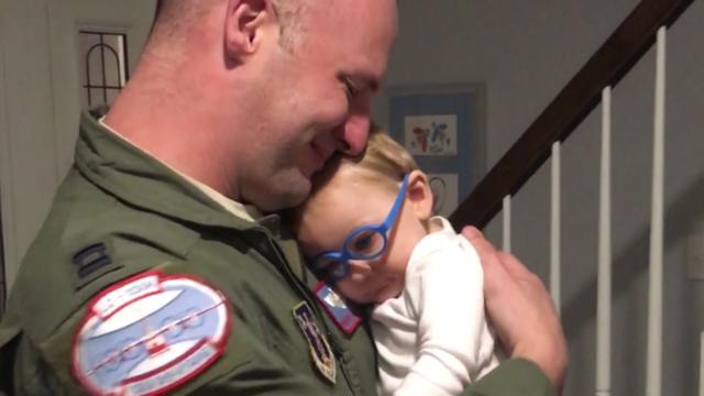 9-month-old Reagan got his glasses just after his dad was deployed with the Air Force. When dad returned home for Christmas, baby Reagan was able to see him clearly for the very first time. Both of their reactions will melt your heart.