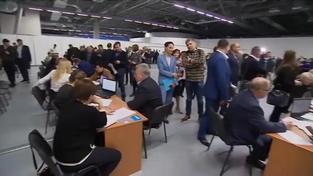 Putin Praised, Scores Re-election Nomination