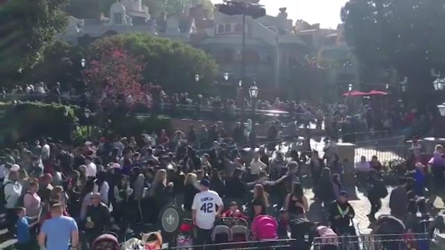Disneyland powers up after outage leaves thousands stranded