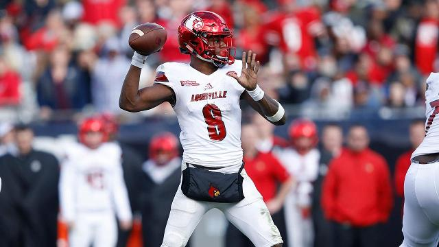 Louisville quarterback Lamar Jackson will forego his final season of eligibility and enter the 2018 NFL draft.