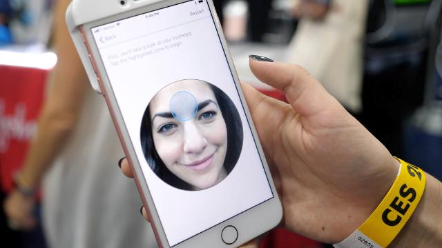 This face scanner for the iPhone analyzes the health of your skin