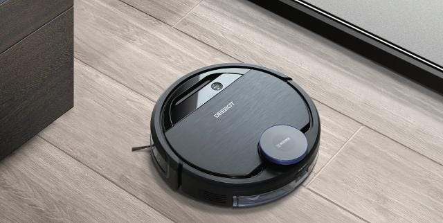 This robot cleaner switches between vacuuming and mopping automatically