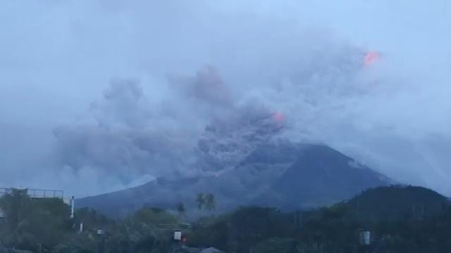 Thousands Filipino Volcanic Eruption