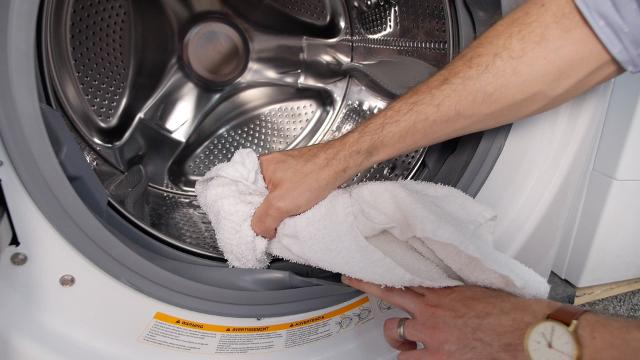 How to clean your washing machine. CLOSE