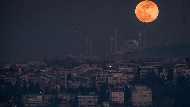 What the Super Blue Blood Moon eclipse looked like around the world