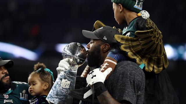 SportsPulse: Eagles DB Malcolm Jenkins says Meek Mill's music was a big part of the team's run to the Super Bowl and that he hopes the artist can be freed.