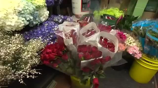 U.S. retailers are preparing for what they hope will be a boom Valentine's Day with spending expected to reach $19.6 billion, a near-record. Nathan Frandino reports.