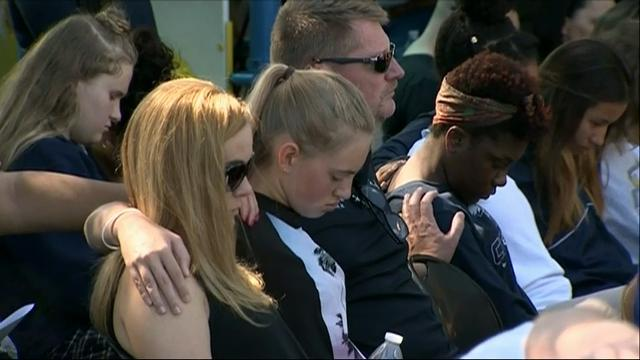 Fla. residents gather for prayer service