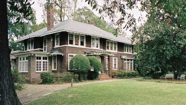 Show us a stunning Jazz Age home and we'll write you a soliloquy.