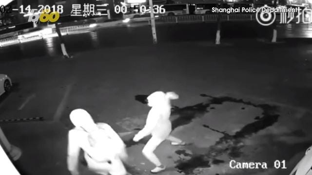 This robbery ends before it begins; Robber knocks out partner