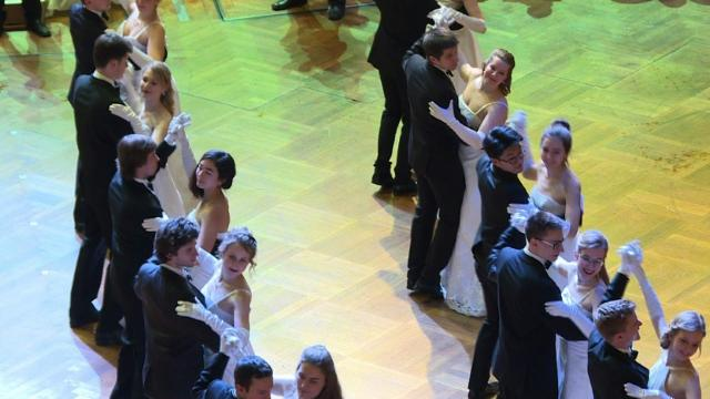 Viennese balls: century-old tradition meets business sense Video provided by AFP