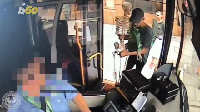 Police in Australia are looking for a trio of numbskull thieves who are suspected of stealing a skeleton from a mall. Buzz60's Sean Dowling has more.