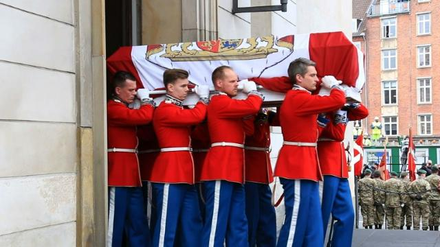 Denmark pays final tribute to Prince Henrik Video provided by AFP