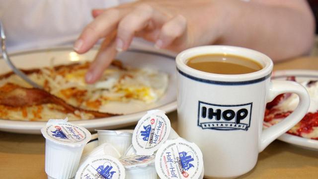 Applebees Ihop Closing Stores As Parent Company Seeks More Brands