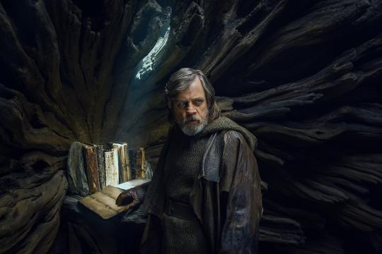 'Star Wars' exclusive: Mark Hamill reconnects with Yoda for 'Last Jedi'