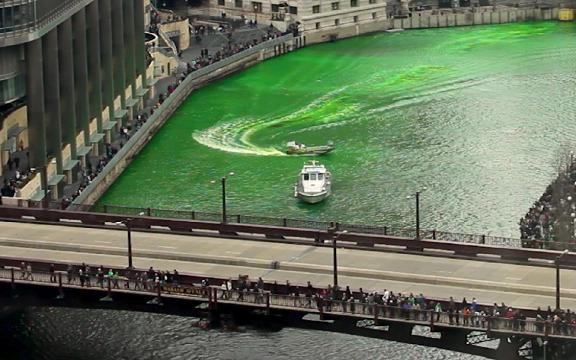 How does Chicago turn its river green?