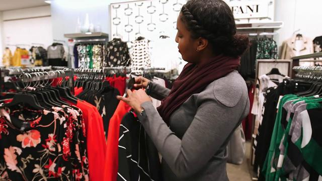 Macy's will let shoppers use mobile app to skip the sales clerk, scan and pay for products