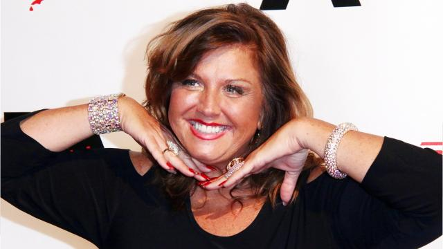 Abby Lee Miller reveals spinal surgery scar, slams doctors who 'misdiagnosed' cancer