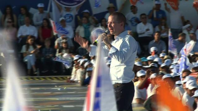 Mexico's conservative candidate slams Trump