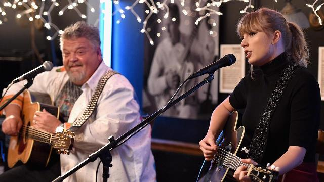 Taylor Swift Surprises Fans And Shoots Whiskey At Nashville Cafe