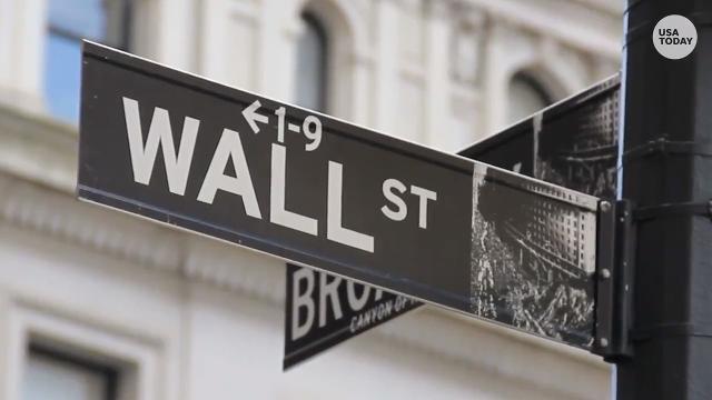 Dow dives, trade war worries rise