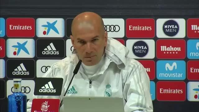 Real Madrid boss Zinedine Zidane says his team will not perform a guard of honor for FC Barcelona if the Catalan side have won La Liga by the time the sides meet again in May. Video provided by Reuters