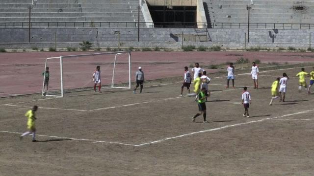 Former IS prison sees football revival in Syria's Raqa Video provided by AFP