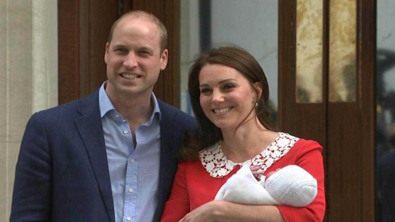 Duchess Kate and Prince William leave hospital with new baby prince 0d5dfdb52