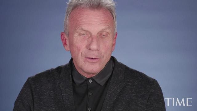Joe Montana Weighs In On The National Anthem Controversy