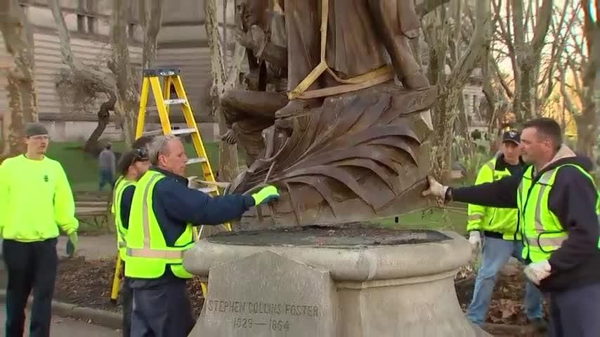 "A 118-year-old statue of the ""Oh! Susanna"" songwriter was removed from a Pittsburgh park Thursday after criticism that the work is demeaning because it includes a slave sitting at his feet, plucking a banjo. (April 26)"