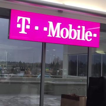 T-Mobile, Sprint agree to merger