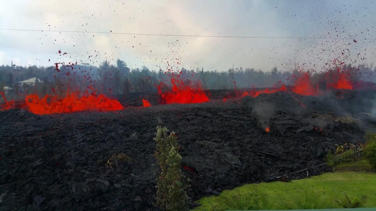 hawaii volcano a struggle for normalcy in the shadow of kilauea
