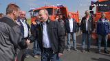 Famous cat crosses $4 billion bridge before Vladimir Putin