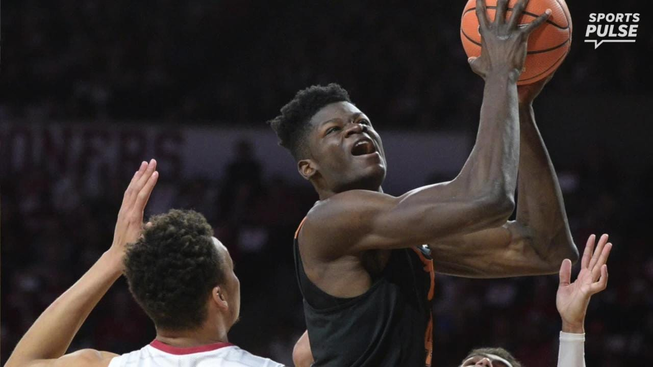 SportsPulse: USA TODAY Sports' Scott Gleeson fills you in on which prospects are impressing at the NBA draft combine in Chicago.