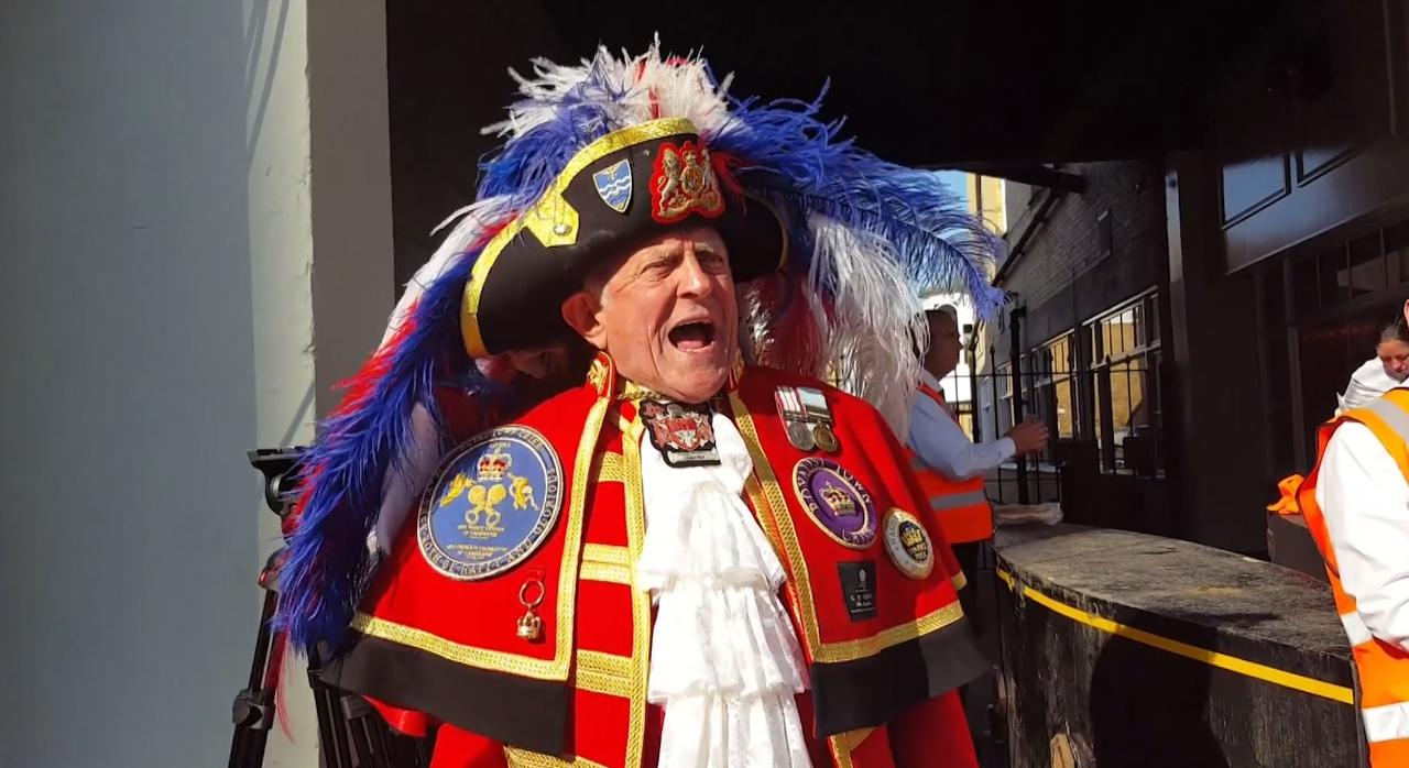 Town crier Tony Appleton announces the marriage of Prince Harry and Meghan Markle in Windsor.