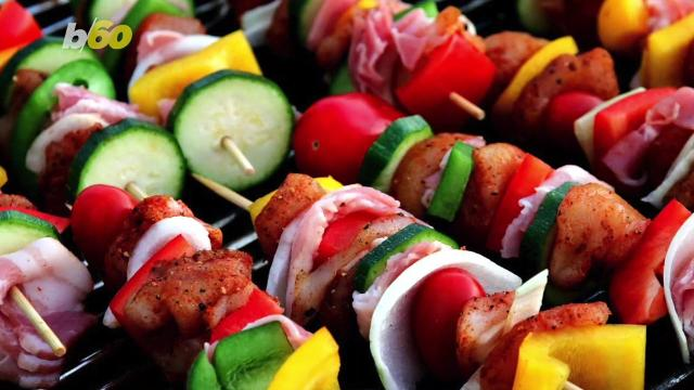 Memorial Day Weekend is the grilling holiday of the year, after fourth of July of course, so undust your grill and consider the following your grilling bible. Buzz60's Maria Mercedes Galuppo has more.