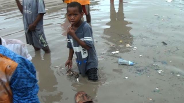 Heavy rainfall causes flooding and fatalities in Mogadishu.